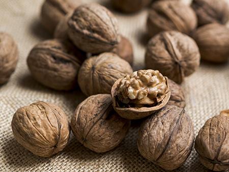 Frutos secos: Nueces. Perfectas para el tercer trimestre durante la nutrición en el embarazo