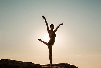 Mujer bailarina talentosa