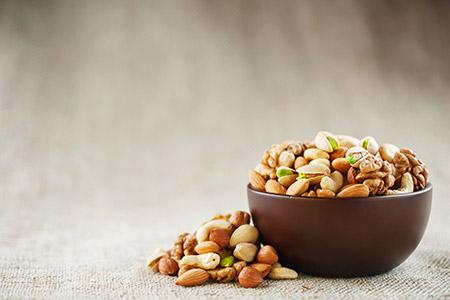 Alimentos y serotonina: uno de los ideales son los frutos secos