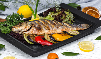 plato de pescado para el plato harvard